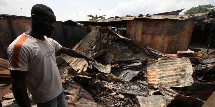 Les violences se poursuivent entre pro-Gbagbo et pro-Outtara, comme ici à Williamsville, près d'Abidjan.