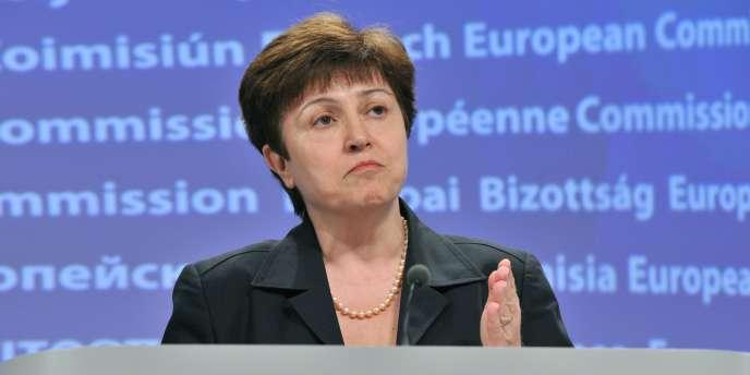 La commissaire européenne Kristalina Georgieva lors d'une conférence de presse, à Bruxelles, le 17 mars 2011.