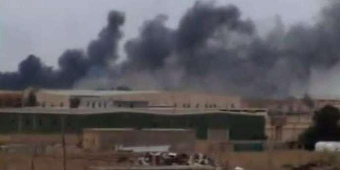 Une image de la ville d'Ajdabiya, bombardée jeudi 17 mars par les forces kadhafistes.