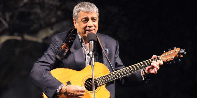 Le prêt de 35 millions d'euros accordé au chanteur Enrico Macias par Landsbanki vire au cauchemar.