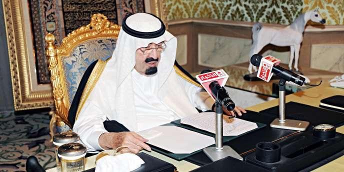 Le roi d'Arabie saoudite Abdallah s'adresse à ses sujets, le 18 mars 2011, à Riyad.