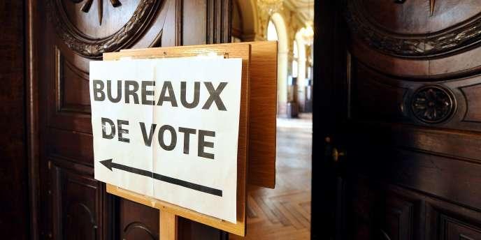 Bureaux de vote pour les élections cantonales, en mars 2011, à Toulouse.