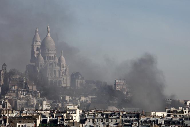 Un incendie a touché la salle de concerts l'Elysée-Montmartre, mardi 22 mars.