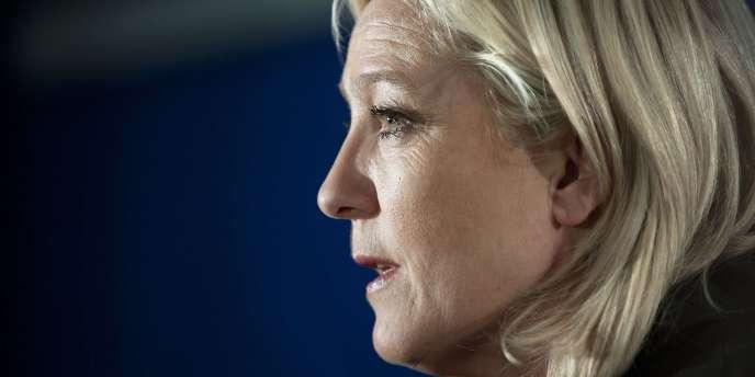 La présidente du Front national, Marine Le Pen, s'exprime à l'issue du premier tour des cantonales, le 20 mars 2011.