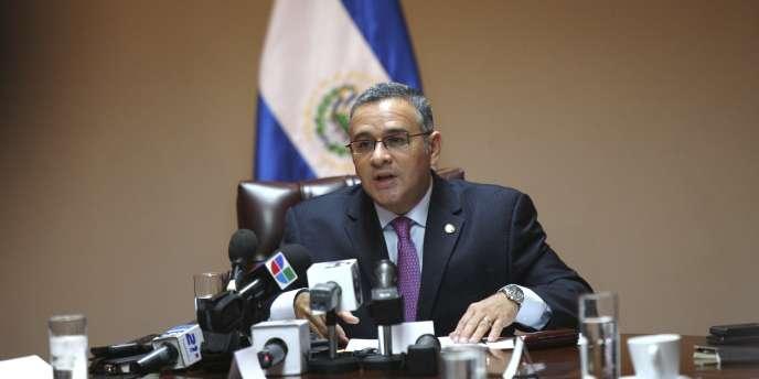 Mauricio Funes, le président du Salvador, lors d'une conférence de presse à San Salvador, le 11 mars 2011.