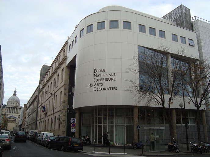 La façade de l'Ecole nationale supérieure des arts décoratifs (Ensad) à Paris.