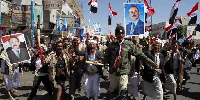 Des partisans du président Saleh à Sanaa, le 25 mars 2011.
