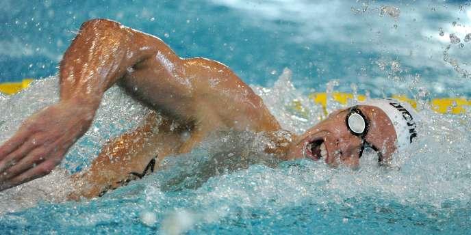 Le champion olympique du 100 m nage libre Alain Bernard ne participera pas aux Mondiaux de Shanghai sur la distance. Il a terminé quatrième des championnats de France vendredi.