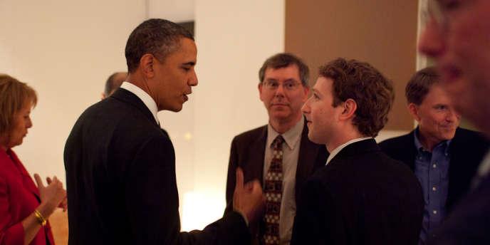 Barack Obama et Mark Zuckerberg, lors d'une rencontre en février 2011 en Californie.