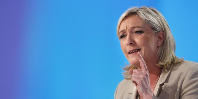 Marine Le Pen, le 22 mars 2011 à Paris, sur le plateau du