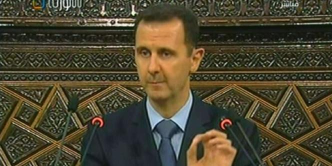 Le président syrien, Bachar Al-Assad, devant le Parlement, à Damas, le 30 mars 2011.