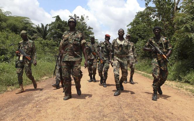 Des soldats des Forces républicaines de Côte d'Ivoire, en mars 2011.