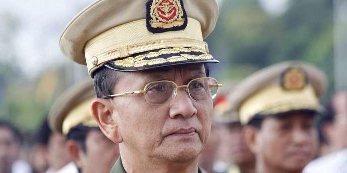 Le président Thein Sein, qui mène de spectaculaires réformes depuis un an, était en 1990, premier ministre de l'ancienne junte et patron de l'USDP.