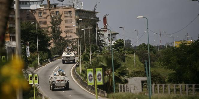 Les forces de la mission de l'ONU en Côte d'Ivoire dans les rue d'Abidjan.
