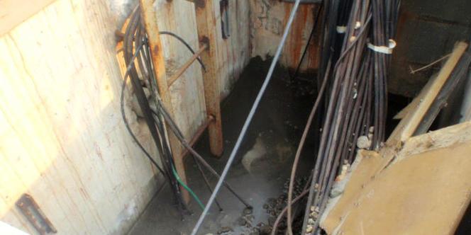 Près de 90 000 tonnes d'eau fortement radioactive stagnent à divers endroits du site et doivent sans cesse être pompées.