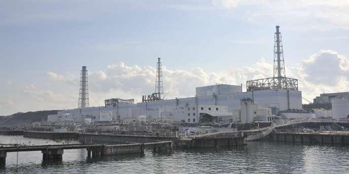 De l'eau contaminée s'échappait toujours, mardi 19 avril, du réacteur n° 2 de la centrale nucléaire de Fukushima dans l'océan Pacifique.