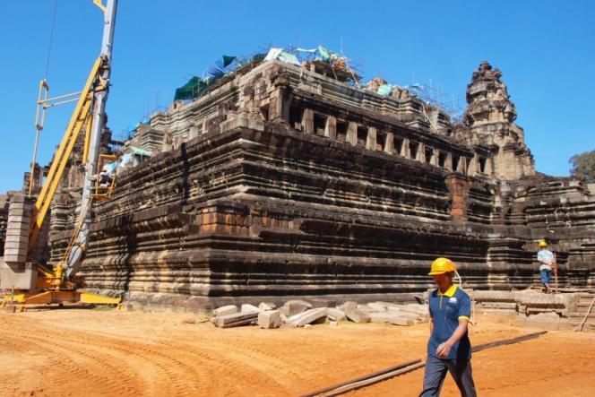 Le chantier de restauration du Baphuon, le 17 décembre 2010.