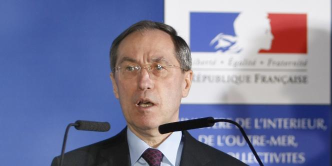 Claude Guéant, le ministre de l'intérieur, lors d'une conférence de presse, le 31 mars 2011, à Paris.