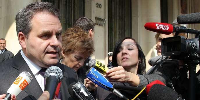 Le ministre de la santé, Xavier Bertrand, le 28 mars, à Paris.