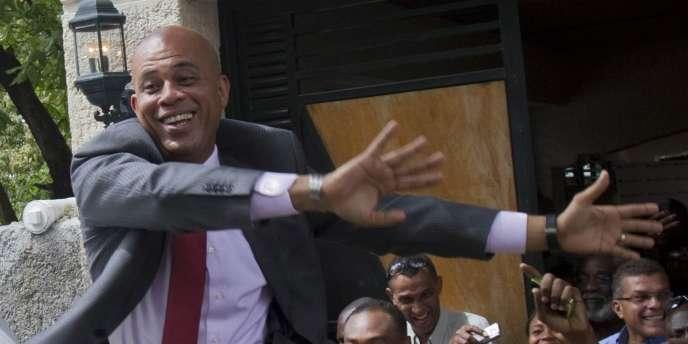 Après sa première conférence de presse, le 5 avril, à Port-au-Prince.