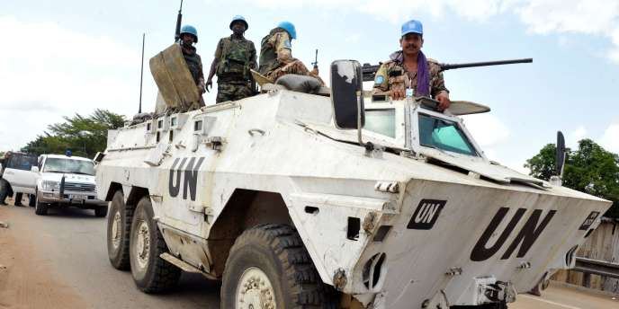 Un blindé de l'Onuci, à Abidjan, le 31 mars 2011.