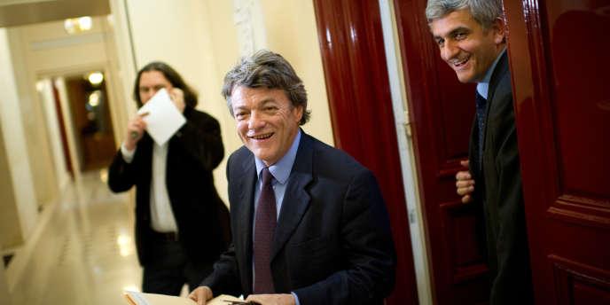 Jean-Louis Borloo et le président du Nouveau Centre, Hervé Morin, le 8 février 2010 à l'Assemblée nationale.