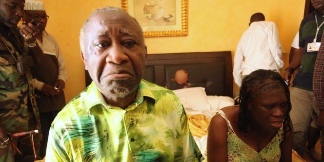 Laurent Gbagbo et sa femme Simone dans une chambre de l'Hôtel du Golf le jour de leur arrestation, le lundi 11 avril.