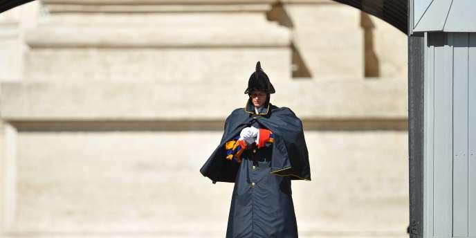 Le Vatican est en disgrâce. Depuis le 1er janvier, il n'est plus possible de payer par carte bancaire dans les musées et les magasins de la cité papale !