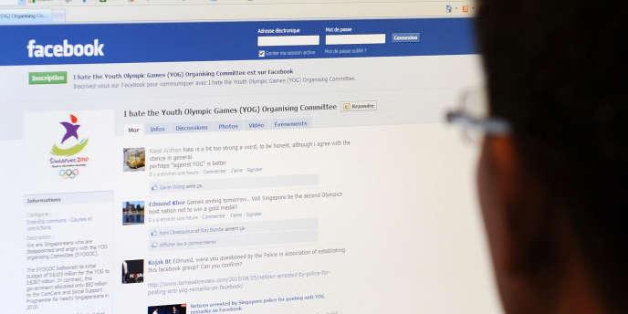 Facebook est concurrencé par Renren, un réseau social en ligne chinois.
