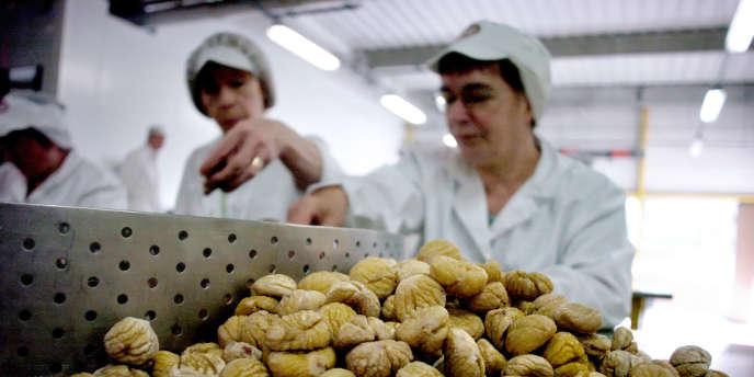 Les importations de plus en plus importantes en provenance de Chine - via l'Italie championne du marron glacé - ne font pas du tout baisser les prix.