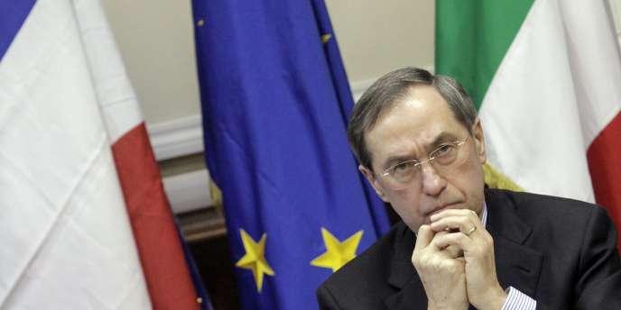 Claude Guéant, le ministre de l'intérieur, le 8 avril, lors d'une conférence à Milan.