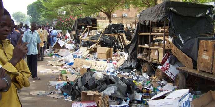 Un marché de Ouagadougou dévasté, le 16 avril.