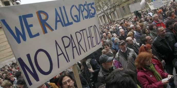 Vendredi, des milliers de personnes ont manifesté contre ce projet de Constitution.