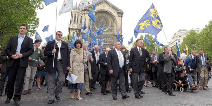 Manifestation pour la fête de Jeanne d'Arc, à Paris le 09 juin 2010, à l'initiative de l'association catholique traditionnaliste Civitas.