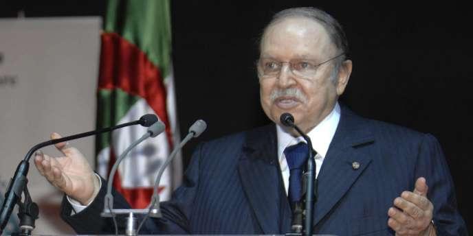 Le président algérien, Abdelaziz Bouteflika, le 16 avril 2011 à Tlemcen.
