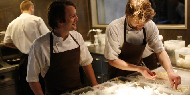 René Redzepi dans les cuisines de son restaurant, Noma, à Copenhague.