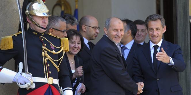 Nicolas Sarkozy et Moustapha Abdeljalil, du CNT, mercredi 20 avril, à l'Elysée.