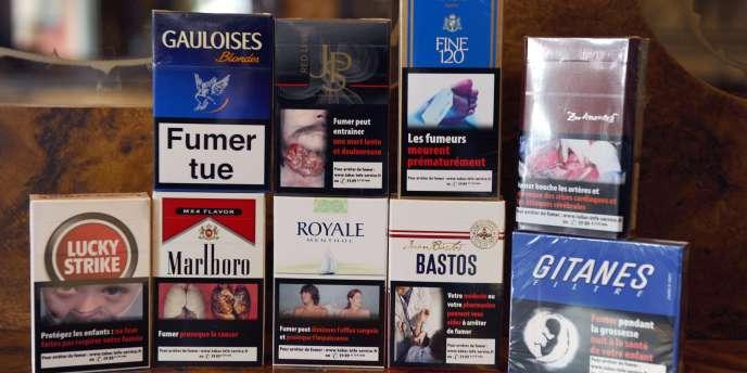 Des poumons noircis, des dents avariées, un goître affreux : depuis avril 2011, les paquets de cigarettes français arborent des images chocs censées convaincre les fumeurs d'arrêter.