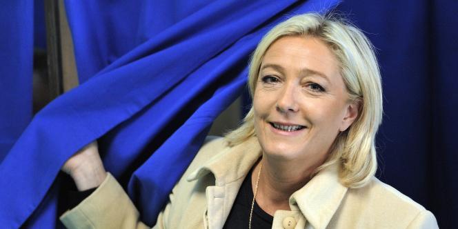 Marine Le Pen recueillerait 36 % des voix dans l'électorat populaire au premier tour, selon un sondage IFOP.