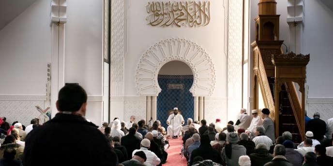 Grande prière du vendredi, le 16 janvier 2009 à la Grande Mosquée de Lyon.
