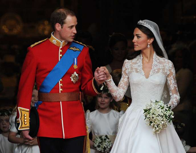 Le prince William et son épouse Kate, duchesse de Cambridge, à la sortie de l'abbaye de Westminster, vendredi 29 avril.