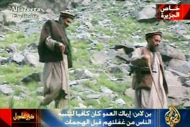 Oussama Ben Laden et Ayman Al-Zawahiri, dans un extrait de la vidéo diffusée le 10 septembre 2003, transmis par la chaîne qatarie.
