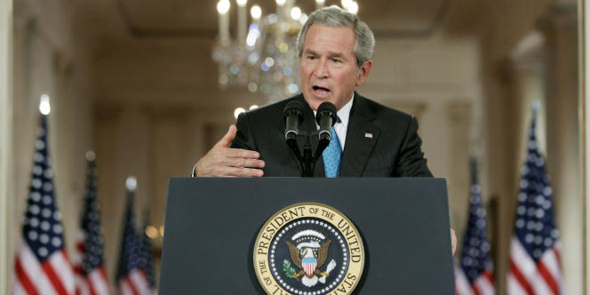 Le 17 septembre 2001, le président américain George W. Bush réclame