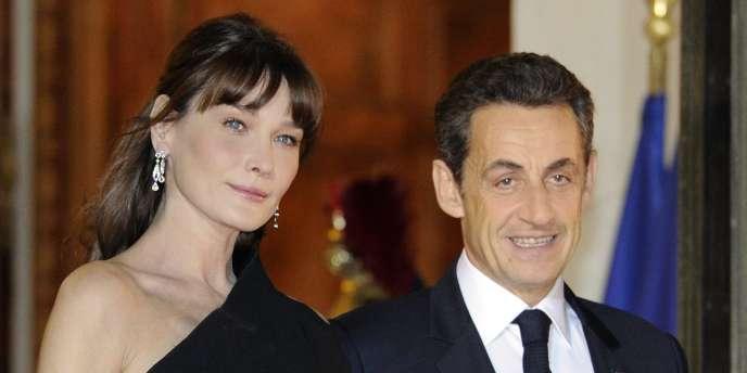 """Carla Bruni-Sarkozy """"bouche cousue"""" face aux rumeurs de ..."""