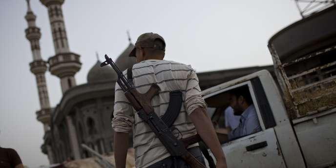 Pour la première fois depuis longtemps, aucun obus ni roquette ne sont tombés sur la ville mardi, ont indiqué des sources rebelles.