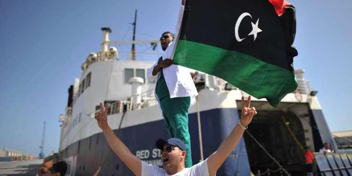 Un navire humanitaire affrété par l'OIM, le Red Star One, a réussi à quitter Misrata mercredi 4 mai en plein bombardement de la ville par l'armée libyenne.