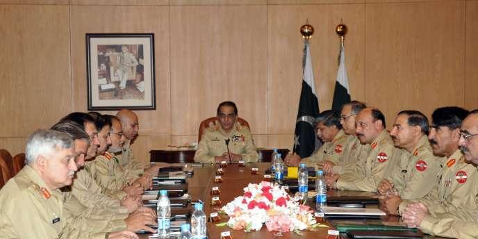 Le chef d'état-major de l'omnipotente institution militaire pakistanaise, le général Achfaq Parvez Kayani, préside une réunion d'état-major à Rawalpindi, le 5 mai.