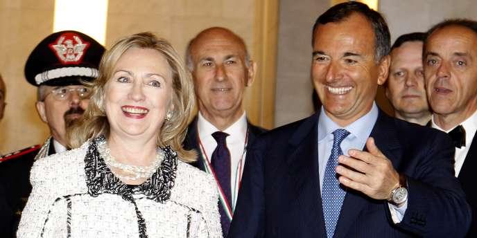 Le ministre italien des affaire étrangères, Franco Frattini, a reçu la secrétaire d'Etat américaine Hillary Clinton au sujet de l'intervention en Libye, à Rome le 5 mai.