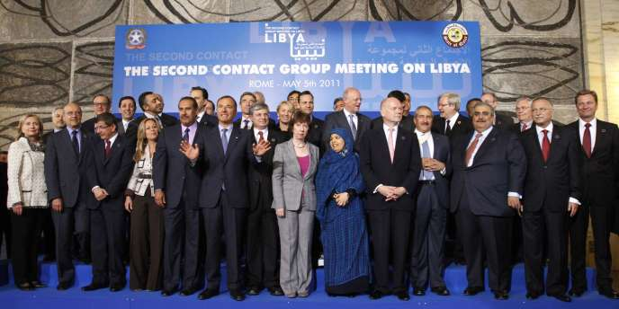 Organisatrice de la deuxième réunion du groupe mis en place à Londres en mars, l'Italie accueille 22 pays, six institutions internationales, dont l'UE, l'OTAN et l'Organisation de la conférence islamique, ainsi que six observateurs, dont l'Union africaine et la Banque mondiale.