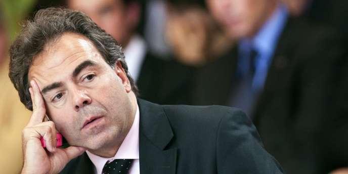 A l'instar de son prédécesseur Xavier Darcos, le ministre de l'éducation, Luc Chatel, a montré qu'il ne maîtrisait pas la règle de trois,